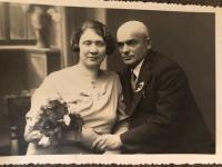 Witness' parents' wedding