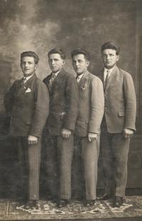 Šesták brothers from the left: Antonín (butcher), Josef (major of the French army), Jan (tram driver in Brno), František (farmer, locksmith and father of Mrs. Vozárová)