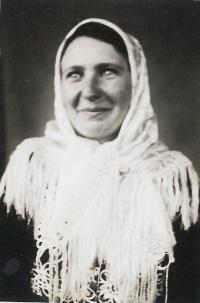 Maminka kolem roku 1933