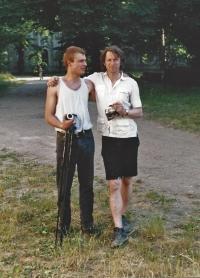Miloš Vojtěchovský s umělcem Tomaszem Matuszakem, Plasy, polovina 90. let