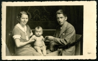 Mr and Mrs Ghassemlou and their daughter Mina, Prague, 1953