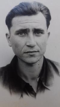 Anton Stepanovič Kostjuk in Magadan in 1956