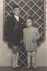 Cousin František and cousin Anežka (Atka)