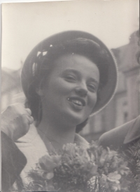 Hana Junová, the bride