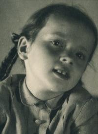 Hana Junová, circa 1944