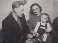 Convicted uncle František Uher with his wife Marie and son František