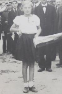 Božena Agelová as a growing-up girl