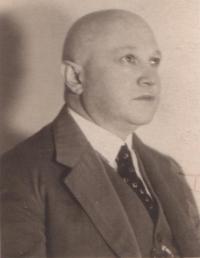 Dědeček pamětnice Adolf Fisch, který byl vyvezen do Niska a později zemřel na území Sovětského svazu