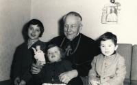 Visiting Cardinal Beran in Mukařov with her siblings, 1964