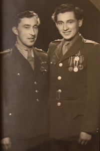 Post-war photography, Vasil Timkovic with his friend
