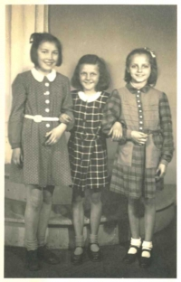 Jaroslava Stará with her friends following the liberation