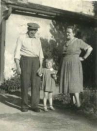 Jaroslava with her parents