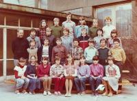 Jako třídní učitel na základní škole, 1975