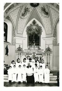 Group photo of altar boys in Bludov, 1980s