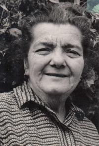 Jaroslava's mother