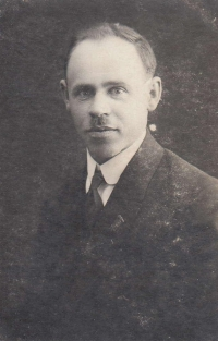 Adoptive father Čeněk Zlámal was a patriot and an adherent of T. G. Masaryk and the Sokol movement.