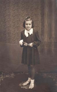 Jaroslava Blešová as a child