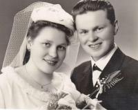 Wedding picture - Jaroslava and Miloš Blešovi, 1964