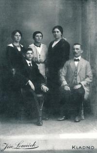 The Císař family, ca. 1915 (the father, Rudolf Císař, on the left)