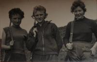 Jaroslava Jesenská (vlevo), 1961
