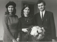 With her parents after the graduation, 1971