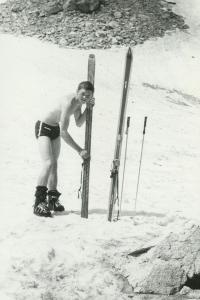 Jiří Kráčalík při lyžařských trénincích ve Zmrzlé dolině, Vysoké Tatry, konec 60. let