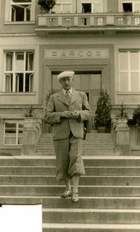 Otec Vladimíra Munka Karel
