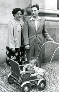 Munkovi s prvním synem