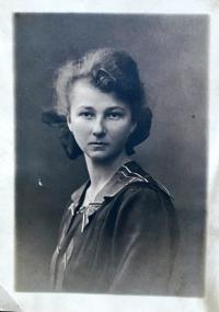 Matka Aloisie Musilová zamlada