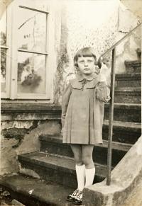 Jarmila Bartošíková, dobová fotografie