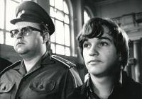 Roman Skamene in the film Jezdec formule risk, 1973