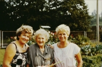 Květa Dostálová and Marie Snášelová with the mother in May 1989