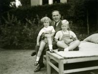 Ivan M. Havel, Václav Havel, Vítězslav Nezval, září 1940