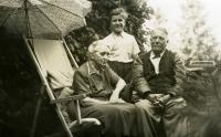 Ivan M. Havel s prarodiči Vavrečkovými, konec 40. let