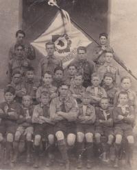 The 1st group of Chotěboř scouts with their leader, Bohuslav Kořínek. 1924