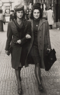 Eva with Vlasta Bulkova, Prague 1943, both Vlasta´s parents died during the war