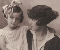 Eva with her mother, 1928