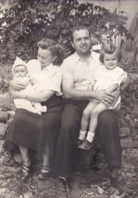 Jiřina Hájná and Boris Hajný with their daughters, 1951