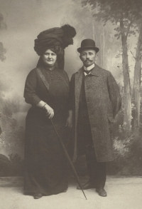 Jindřiška and František Zych, grandparents of Eva Štanclova