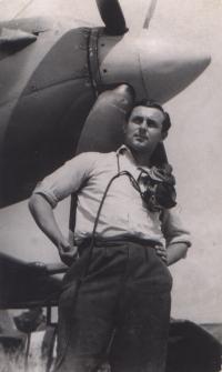 Stanislav Hlučka - with the Spitfire 9 plane