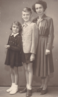 The lonely family used to send photographs taken by grandpa Adolf Štěpánek to their dad to the prison.