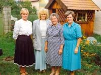 Věra Grögerová (far right) with her sisters