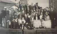 Bohuslav Kořínek was very active in the Chotěbořs amateur theatre. B. Kořínek, bottom row, fourth from right. The play Fidlovačka, 26th December1934.