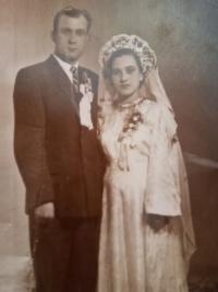 Hanna Petrivna Jankovska with her husband, Arsen, a wedding photo