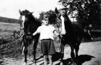 Bratr Jiřího Bárty Otakar s koňmi