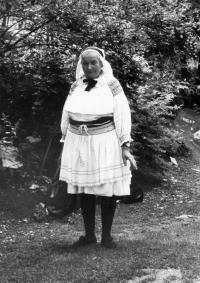 Eva Jankulíkova, nee Korbeľová, mother od Albín Jankulík,1981