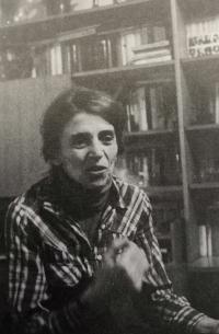 Otta Bednářová after returning from prison in 1980