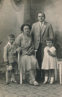 Věra with her brother Miroslav and their parents. 1930
