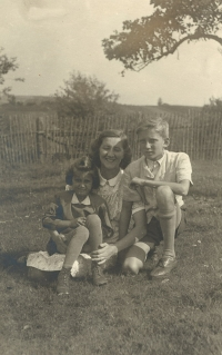 Eva (5 years), Irenka, younger sister of father, and Pavel, summer 1945