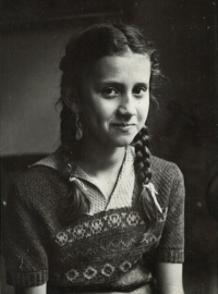 Portrait of Eva at the age of ten, Prague 1950